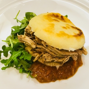 Braised turkey arepa